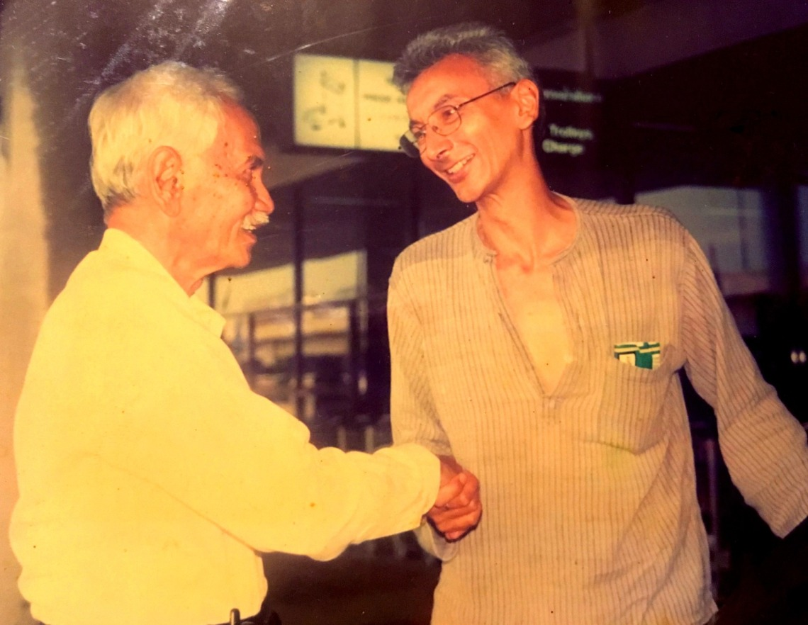 Nick meeting his dad in Bangkok, 2002, for the first time since 1957
